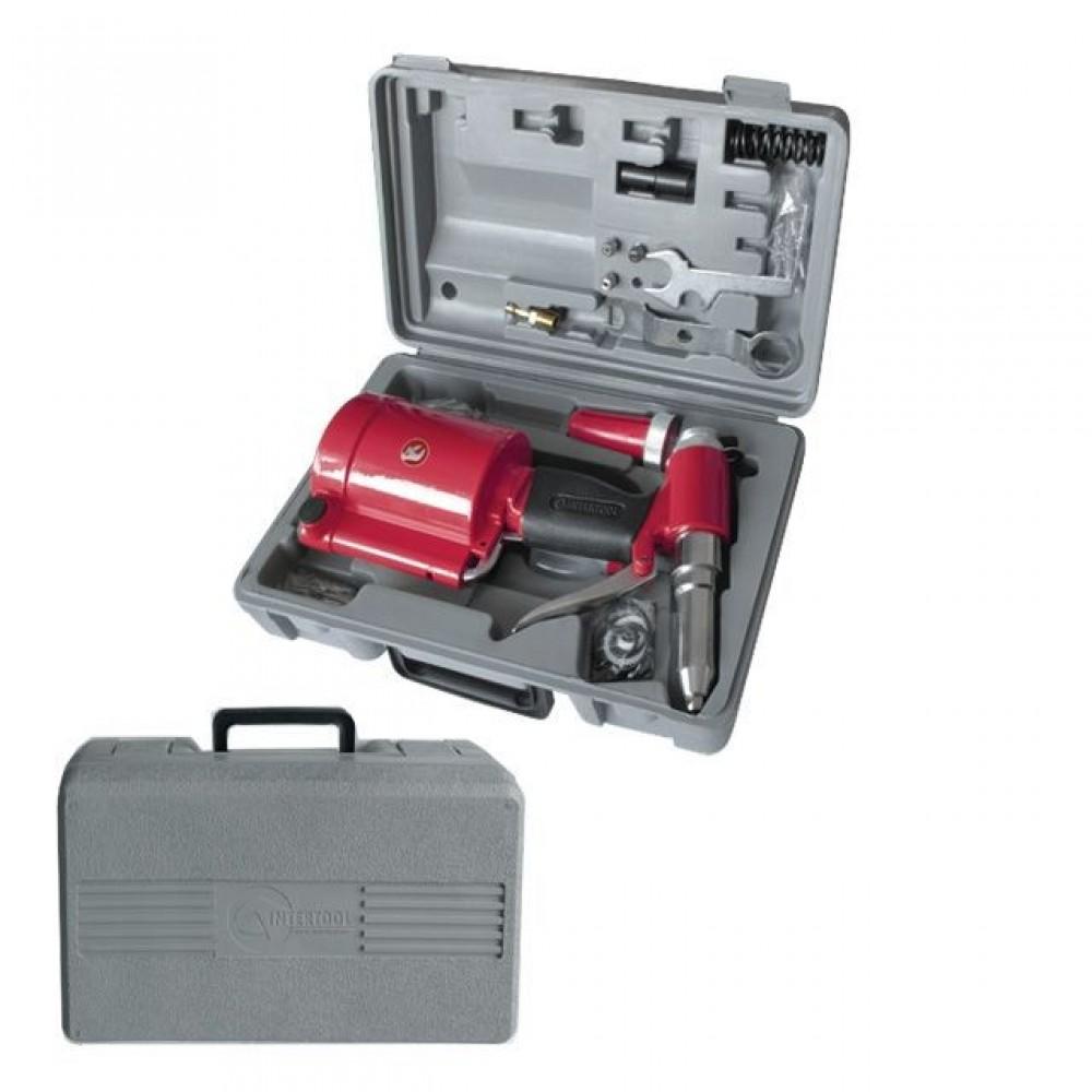Фото №1 - Пистолет заклепочный пневматический в чемодане с аксессуарами INTERTOOL PT-1304